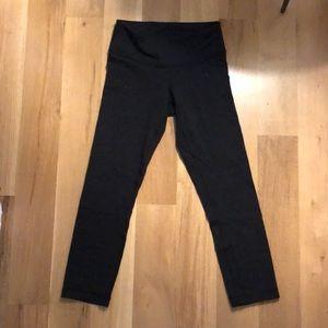 Black cropped lululemon wunder under leggings